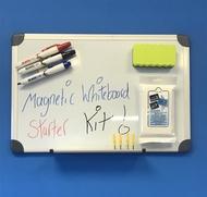Tableau blanc magnétique 30 x 45cm. Comprend des marqueurs de tableau blanc, un effaceur de tableau blanc et des lingettes